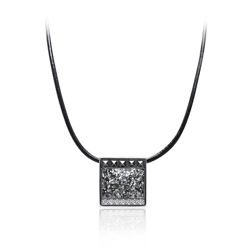 Ogrlicasrebro 925/000rodiniranoCZ fi 2,5 mm - 7xSwarovski kristal 20x14 mm - 1xSwarovski kristal fi 3 mm - 5x