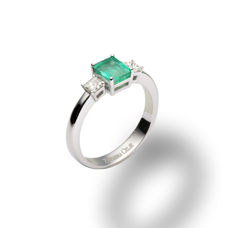 diamant 0,12 ct - 2x, smaragd 0,91 ct - 1x