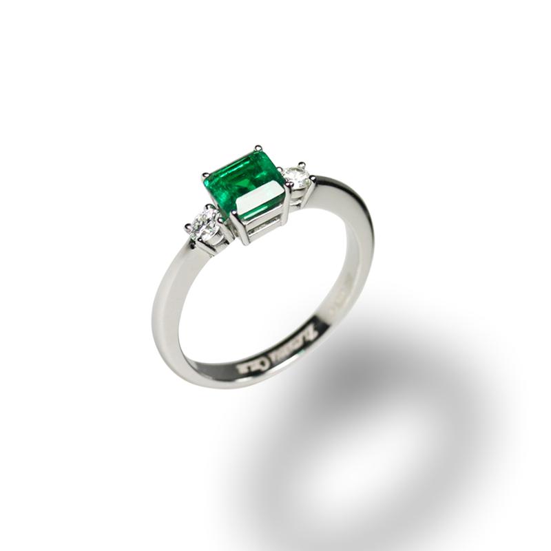 diamant 0,10 ct - 2x, smaragd 1,0 ct - 1x