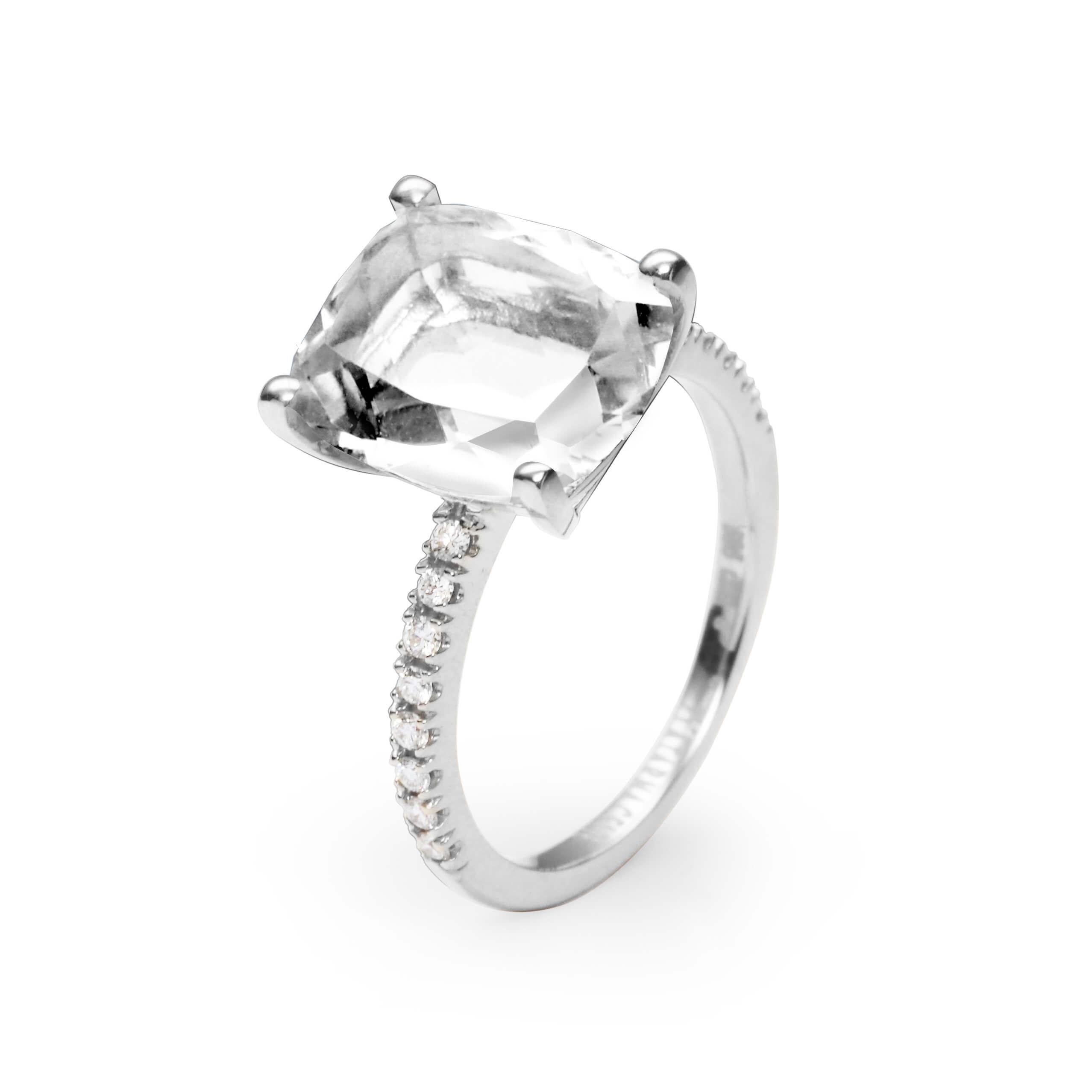 Bijeli topaz ili plavi topaz ili roze kremen 12 x 10 mm – 1 x; diamant 0,01 ct – 16 x