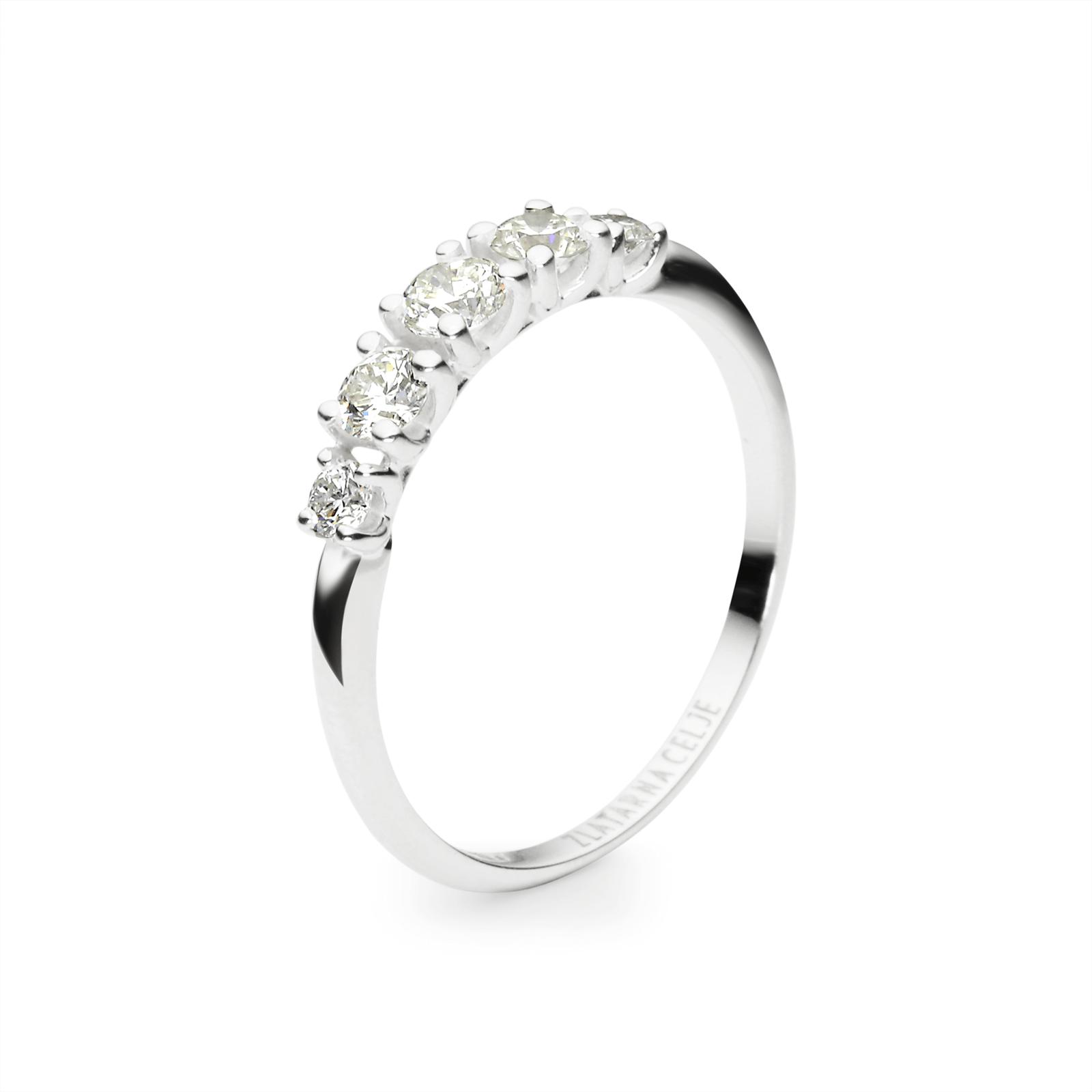 Diamond0,15 ct - 1 x; 0,10 ct - 2 x; 0,05 ct - 2 x