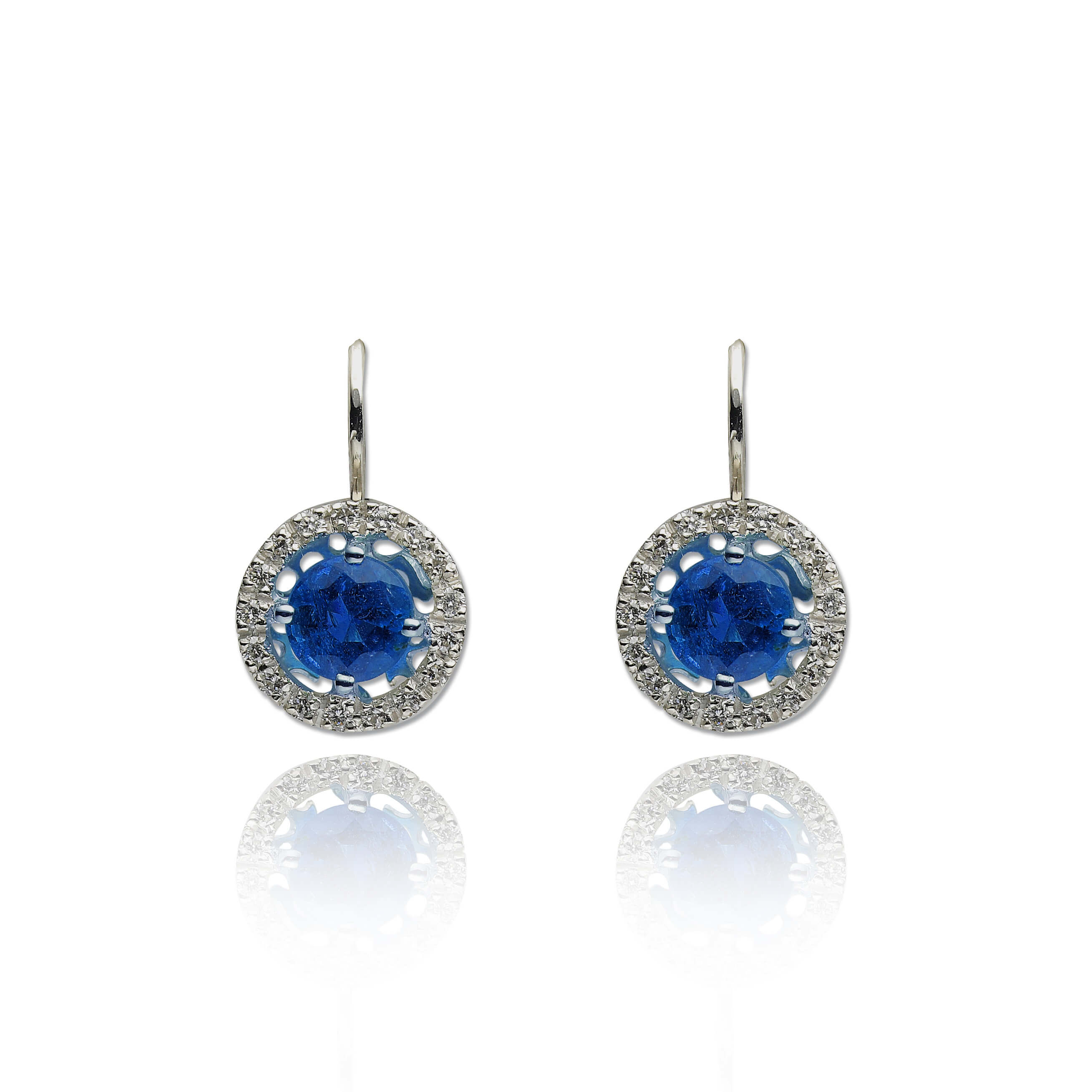 diamant 0,01 ct - 34 x; plavi safir 6 mm - 2 x