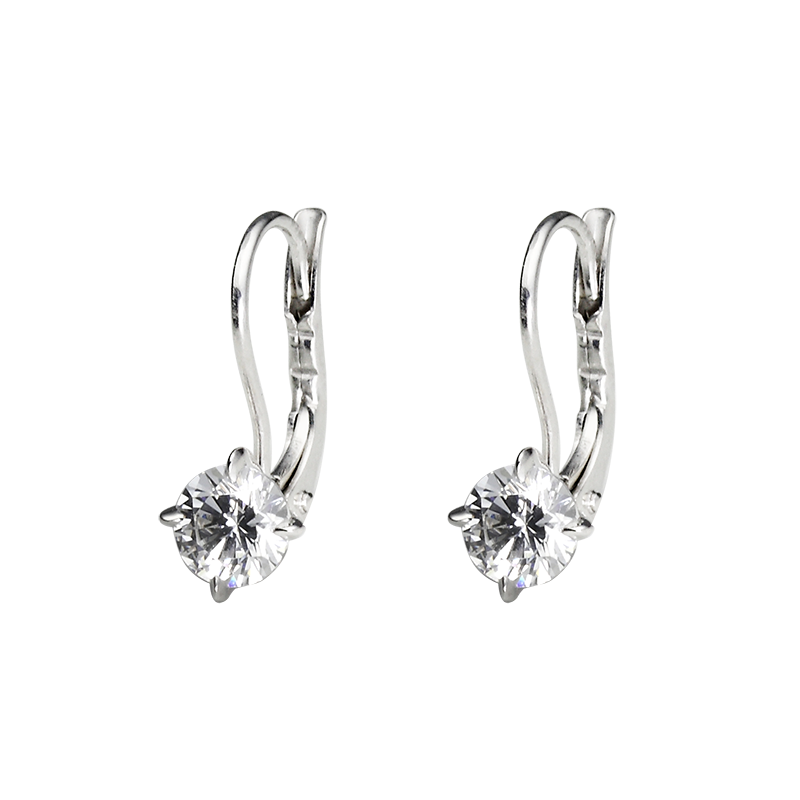 Earrings from the SOLITAIRE collection with two 0.5 ct. cut diamonds for which indicative prices from EUR 6,400 apply. For the exact price fill out the online form, since the price depends on the purity and colour of the cut diamond.