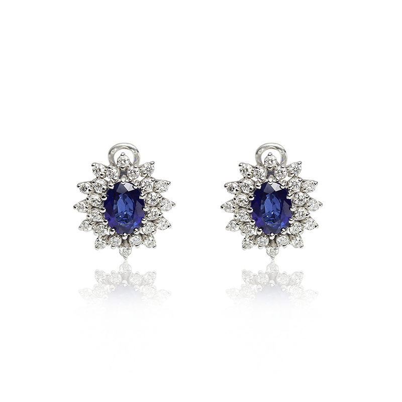 Plavi safir 8 x 6 mm - 2 x; diamant 0,02 ct - 48 x
