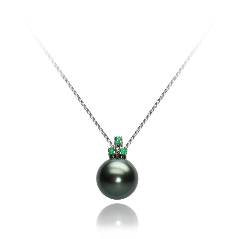 tahiti pearl 9,5 - 10,0 mm - 1 x; emerald fi1,5 mm - 3 x